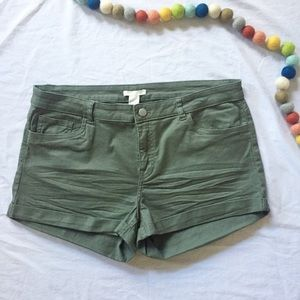 NWT H&M High Rise Olive Green Shorts 14